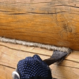 Как проконопатить деревянный сруб